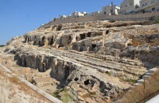 Kızılkoyun Mağaraları Üzerine Kurulan Evler Yıkılıyor