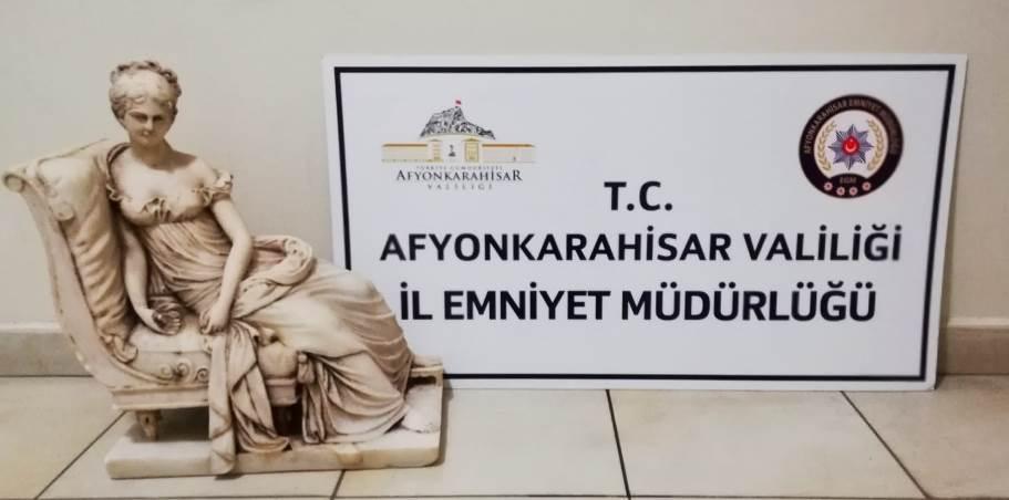 Afyonkarahisar'da Tarihi Heykel ve Sikkeler Ele Geçirildi