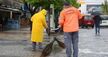 Belediye İşçileri 1 Mayısta da Çalıştı