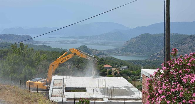 Muğla'da İmara Aykırı Yapıların Yıkımına Başlandı