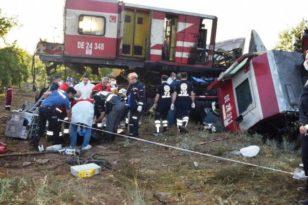 Malatya'da 2 Tren Kafa Kafaya Çarpıştı