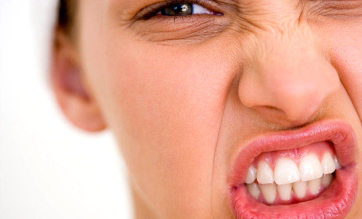 Diş Sıkmak Baş Ağrısına Neden Oluyor