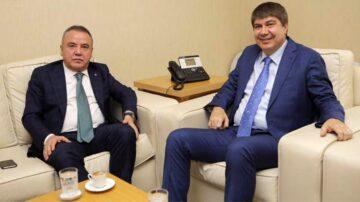 Eski Antalya Büyükşehir Belediye Başkanının Yoğun Bakımdayken Yaptığı Paylaşım Tepki Çekti