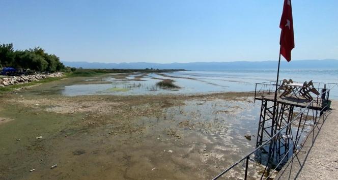 İznik Gölü'nde Sular Çekildi