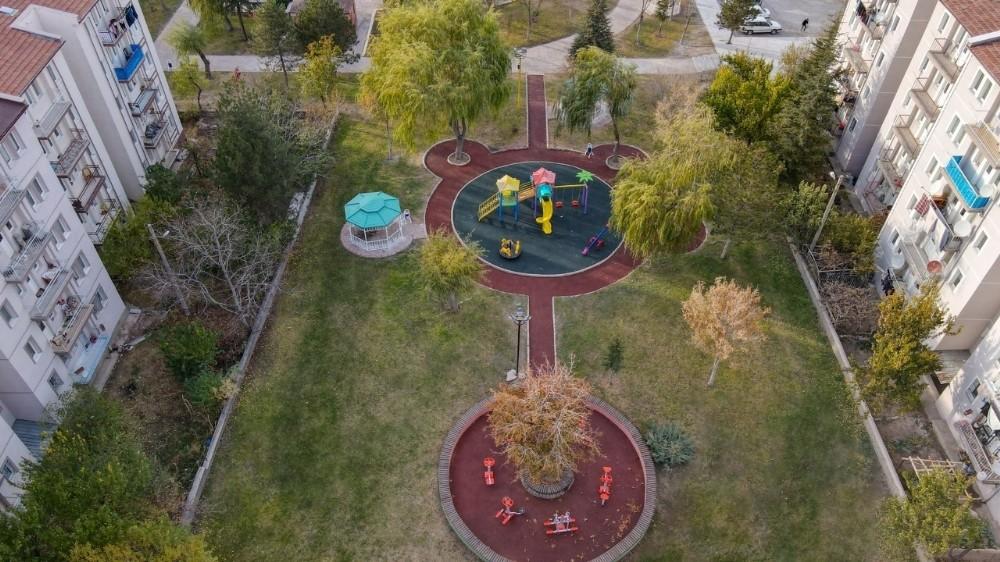 2000 Evler Mahallesi merkez park yenilendi