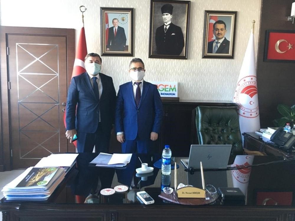 Başkan Şenlikoğlu Giresun'da yapılması planlanan projeler için Ankara'nın yolunu tuttu