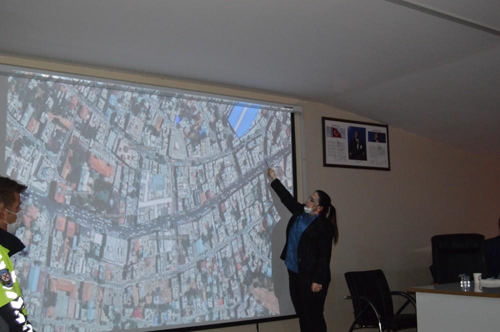 Besni ilçesinin trafik sorununa çözüm aranıyor