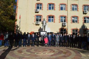 Besni'de Öğretmenler Günü kutlandı