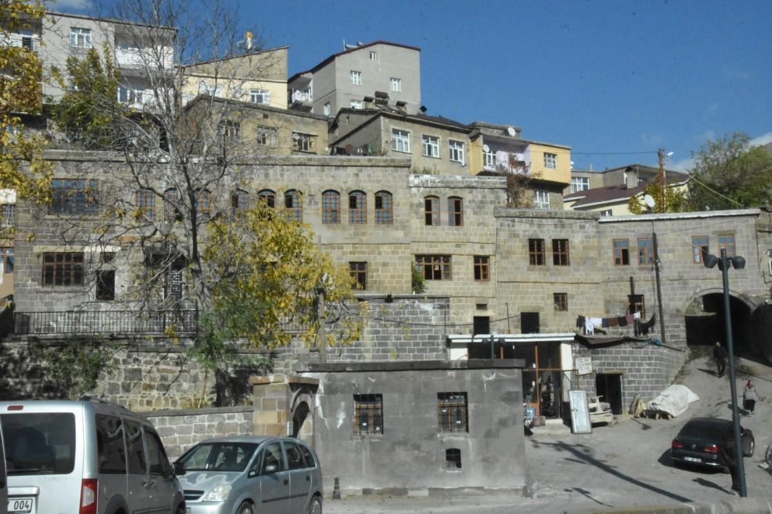 Bitlis Sokak Sağlıklaştırma Projesi 3.Etap Başlıyor