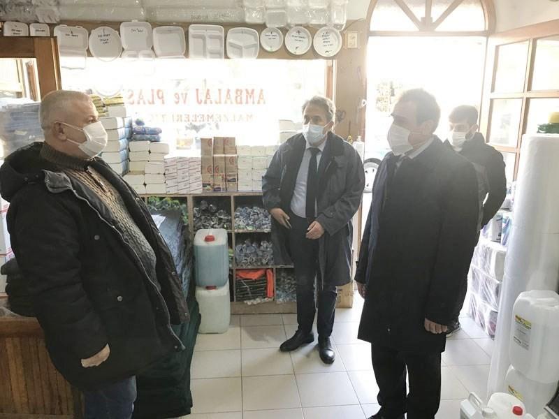Burhaniye'de Kaymakam Memiş koronavirüs denetimi yaptı