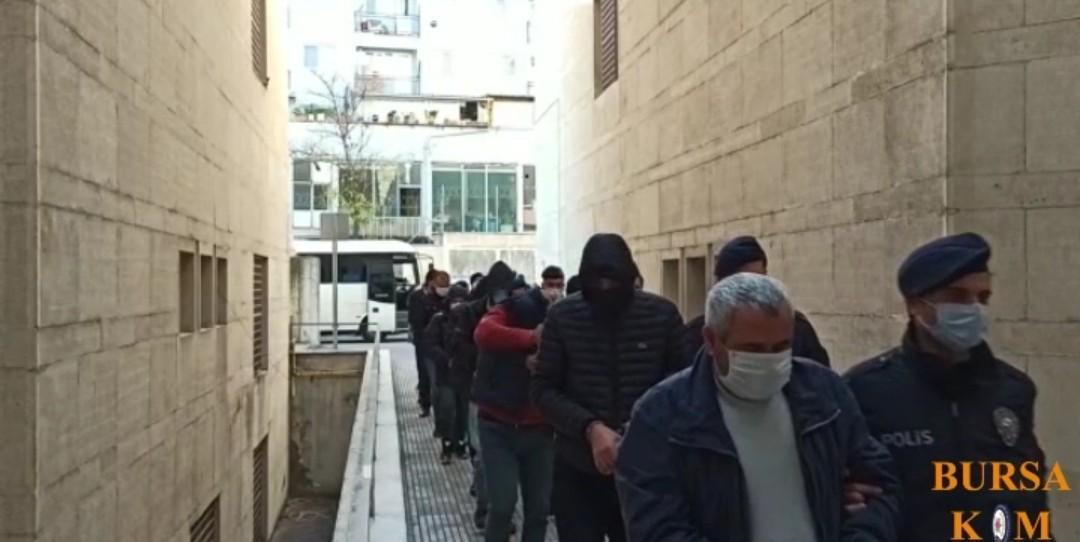 Bursa'da Dublörlü Tapu Dolandırıcıları Yakalandı