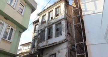 Bursa'da Perili Ev Olarak Bilinen Tarihi Bina Çok Sayıda Ziyaretçi Çekiyor