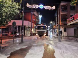 Aydın Büyükşehir Nazilli'yi Köpüklü Suyla Yıkadı