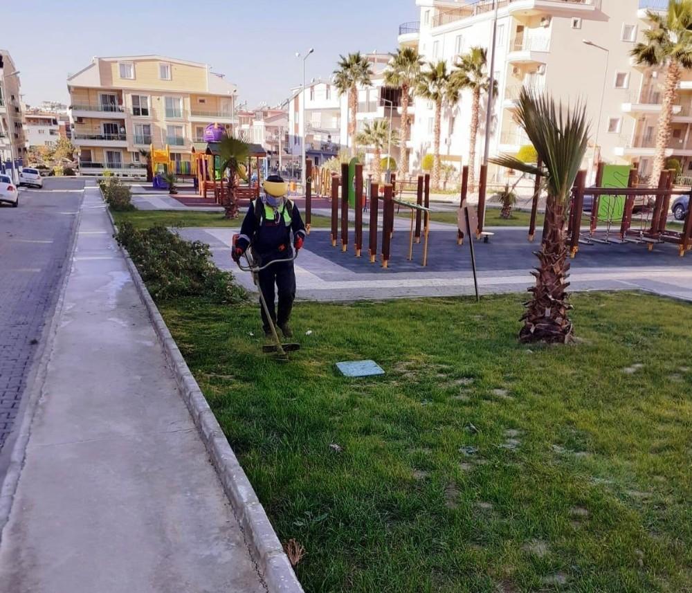 Didim'de Park Bahçeler Müdürlüğü çalışmalarını sürdürüyor