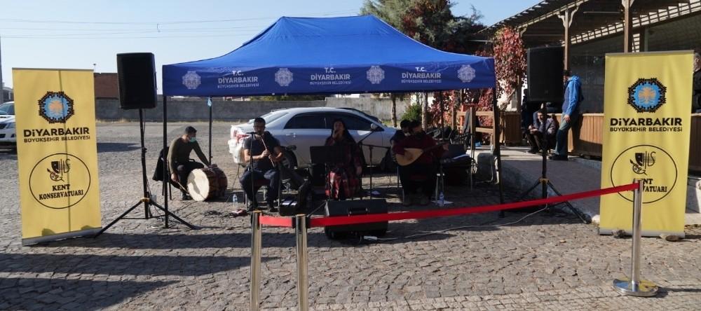 Diyarbakır'da Küçede Sanat Var Etkinliği
