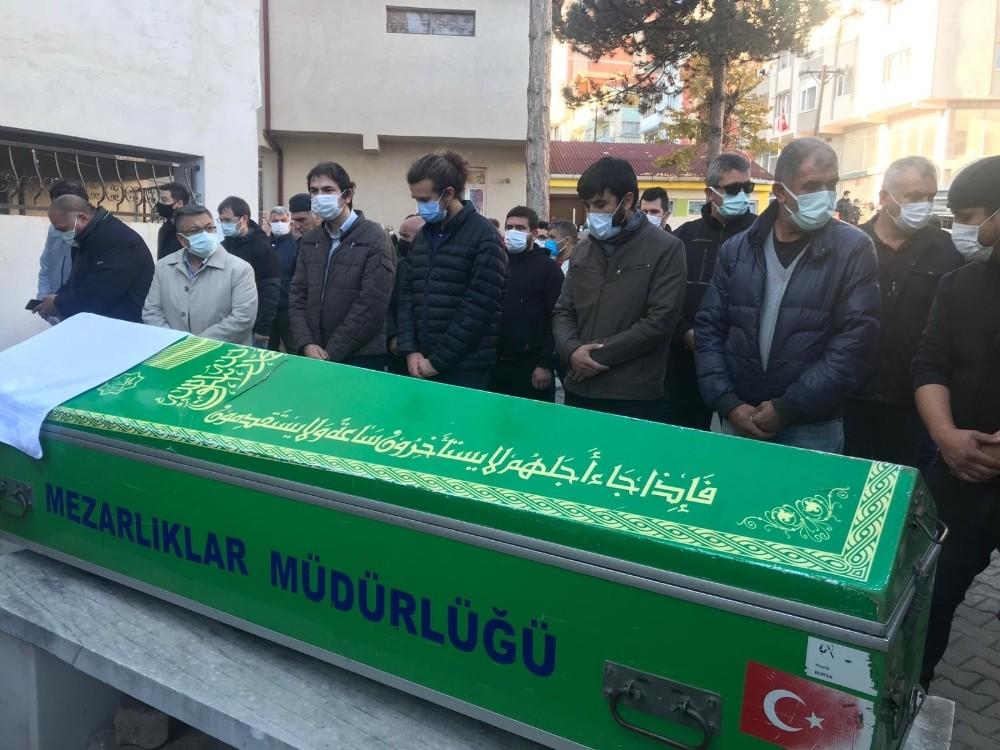 Eski Türk Kızılay Şube Başkanı Çınar son yolculuğuna uğurlandı