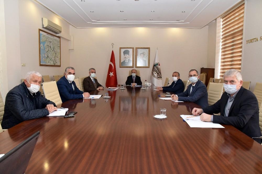 Manisa Valisinden Esnaf Odası Başkanlarına Covid-19 Bilgilendirmesi