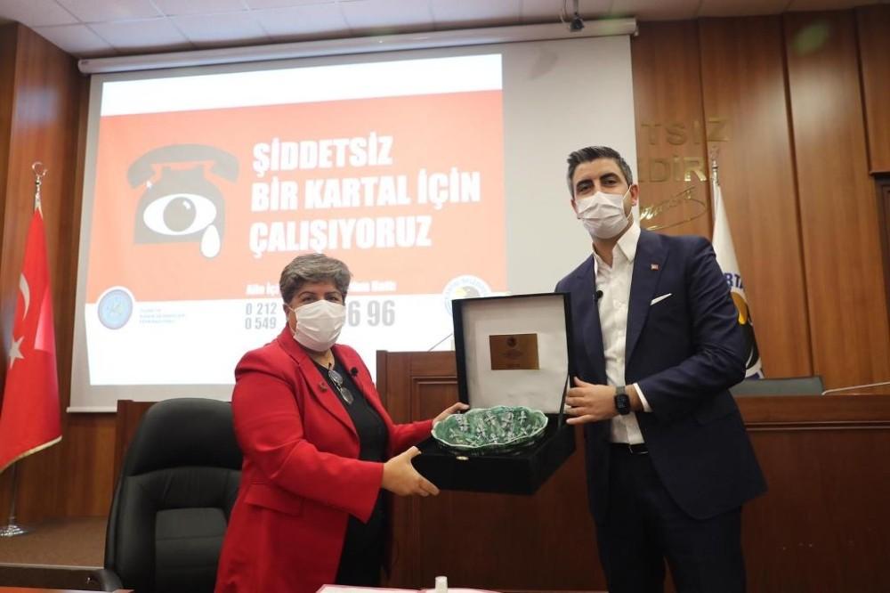 Kartal Belediyesi kadına karşı şiddetle mücadele protokolü imzaladı