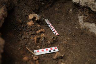 Kazı Çalışmalarında Bebek Mezarı Bulundu