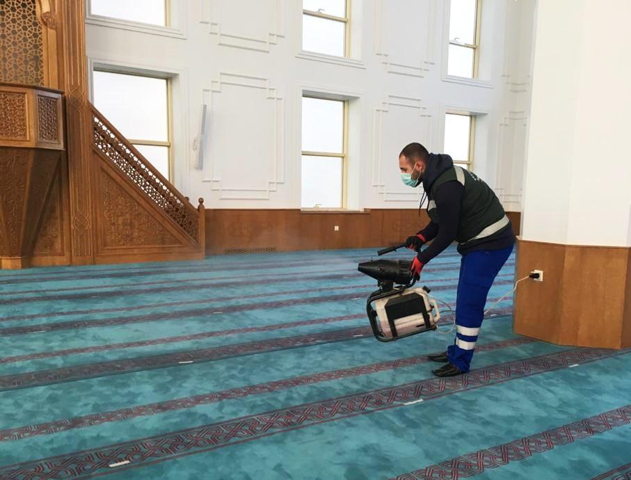 Keçiören'de ibadethaneler kesintisiz olarak dezenfekte ediliyor