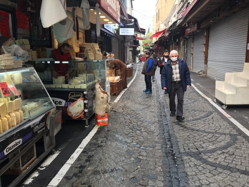 Kısıtlamanın bitmesiyle İstanbul hareketlendi