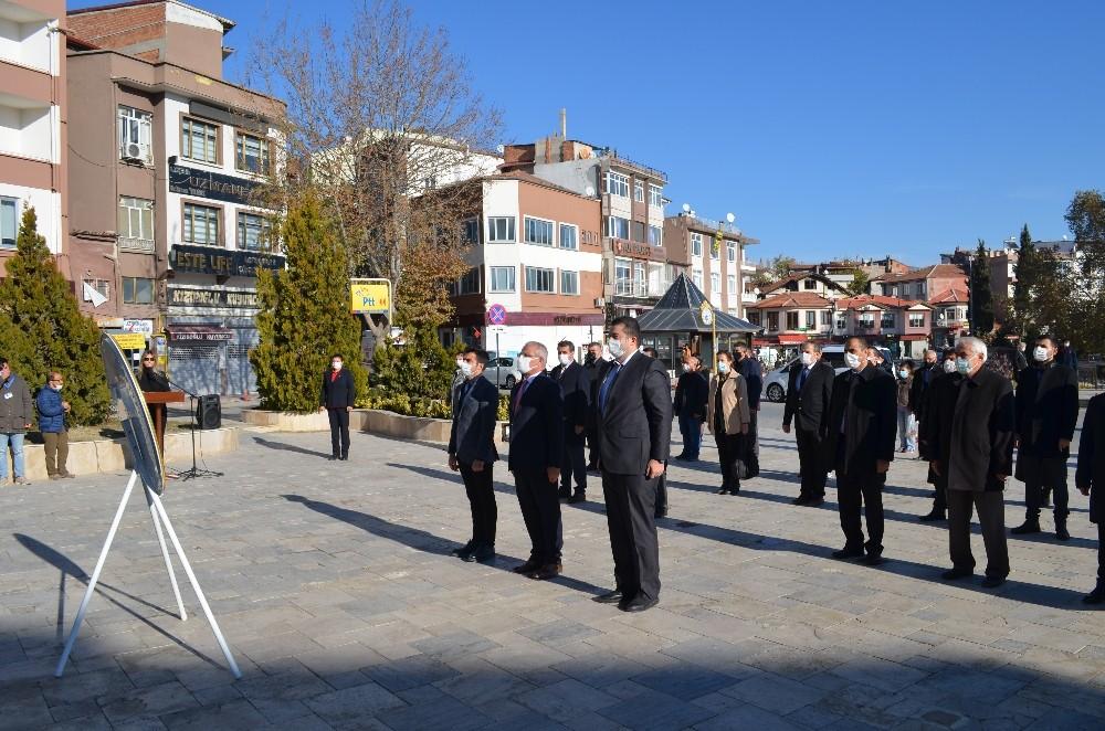 Merzifon'da Öğretmenler Günü törenle kutlandı