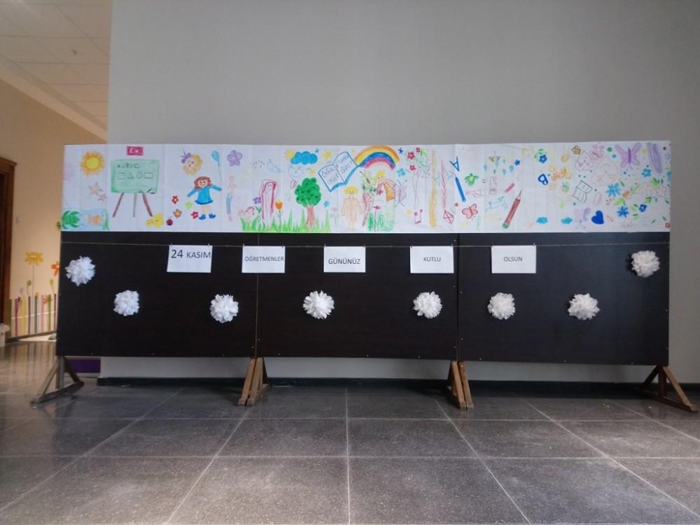 Minikler 24 Kasım Öğretmenler Günü'ne özel mini sergi hazırladı