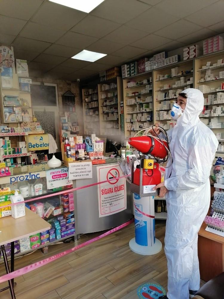 Pazaryeri'nde işyerleri kapsamda bir şekilde dezenfekte edildi