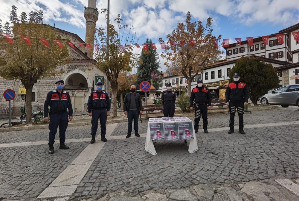 """Safranbolu'da vatandaşlara """"KADES"""" anlatıldı"""