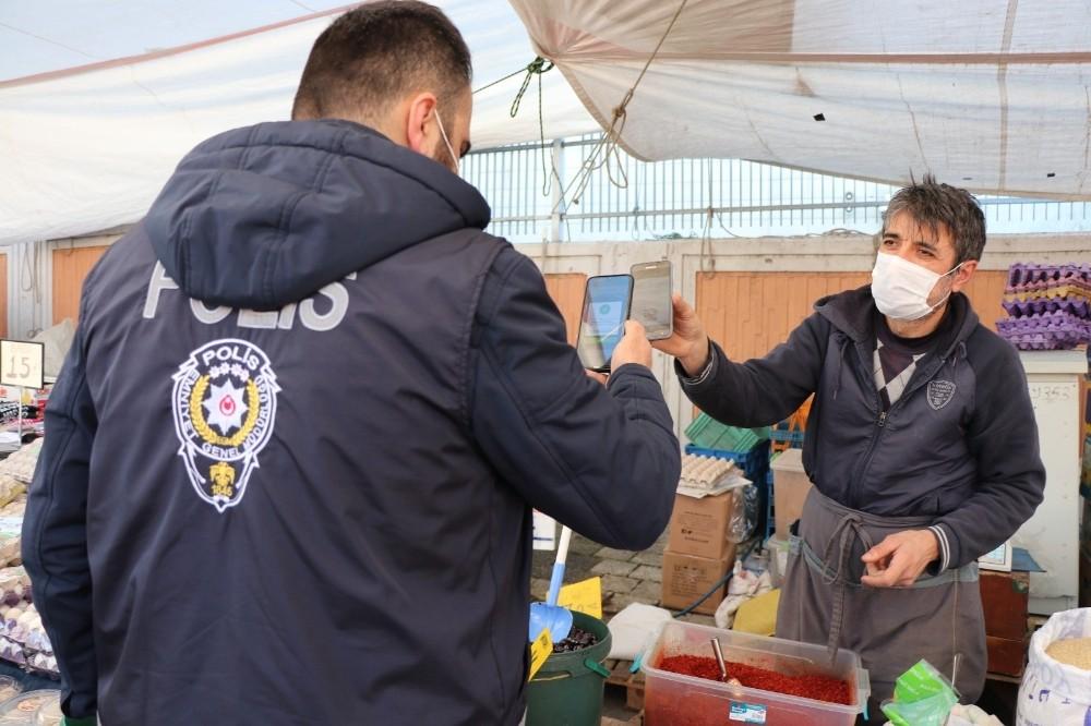 Sultanbeyli Pazar Yerlerinde Koronavirüs Denetimi