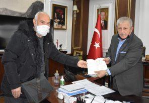 Amasya Belediye Başkanına Kitap Hediye Edildi