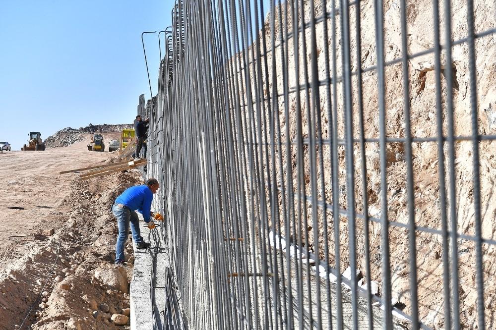 7.5 milyon TL'lik Erkilet Hıdırellez Yolu'nda özverili çalışma