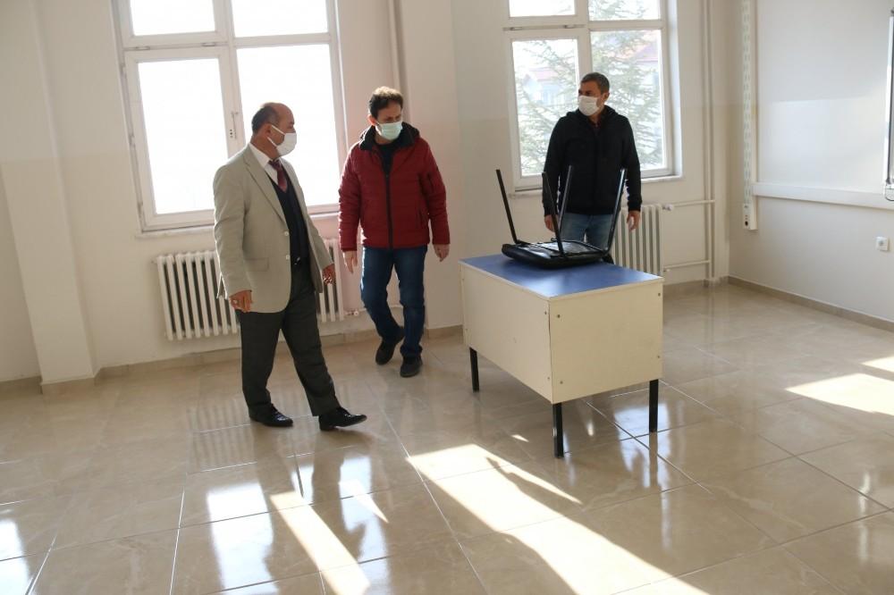 Adnan Menderes Ortaokulunda deprem güçlendirme çalışmaları tamamlandı