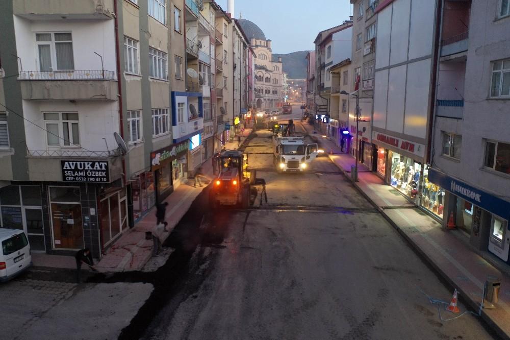 Akdağmadeni Belediyesi'nden sokağa çıkma kısıtlamasında yoğun çalışma