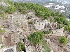 Alanya'daki gün yüzüne çıkarılan Syedra Antik Kenti ziyaretçi akınına uğruyor