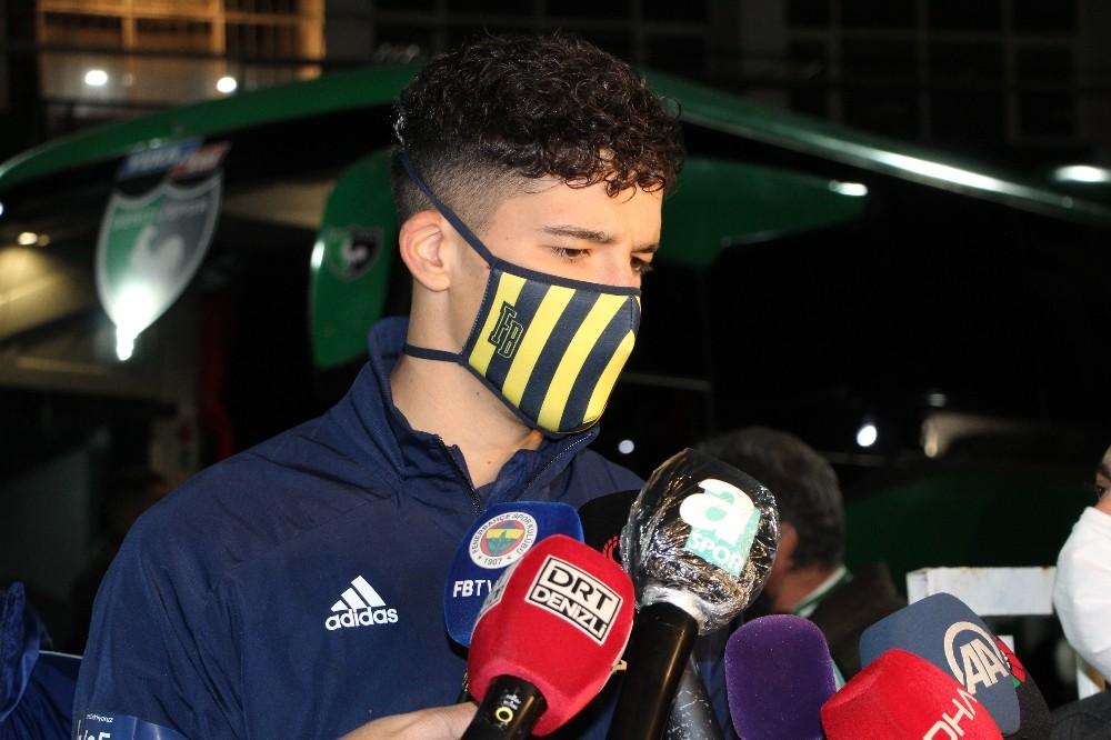 """Altay Bayındır: """"Böyle bir zor maçtan İstanbul'a galibiyetle döneceğimiz için mutluyuz"""""""