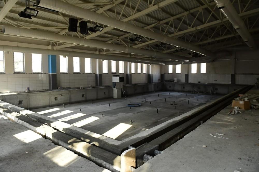 Altındağ'da yapımı devam eden yüzme havuzlarında sona gelindi