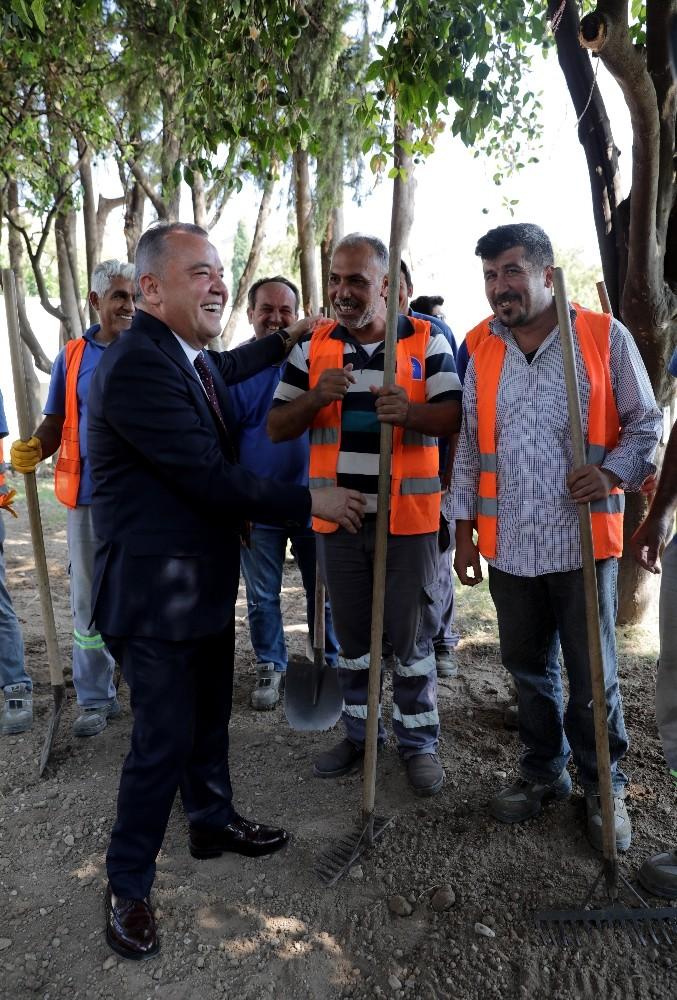 Antalya Büyükşehir Belediyesi'nde asgari ücret 3 bin 100 lira oldu