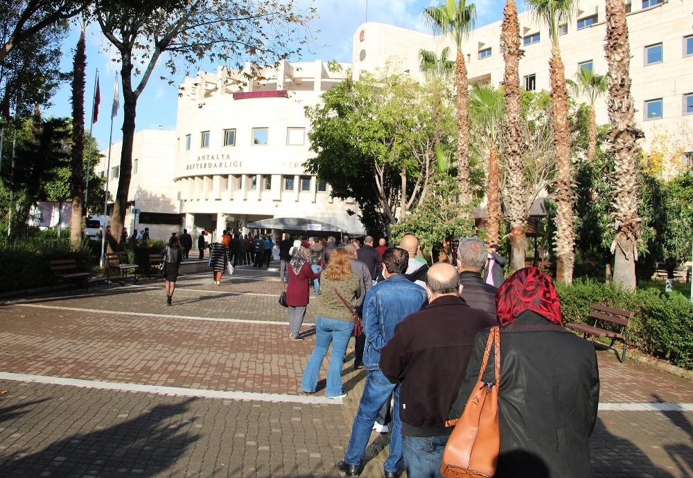 Antalya'da yapılandırma kuyruğu
