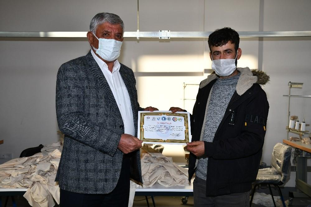 ASGEM'de tekstil ve konfeksiyon kursiyerlerine sertifika verildi