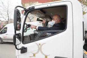 Başkan Bıyık, yeni temizlik aracıyla sokakları temizledi