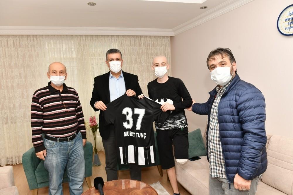 Başkan Bozkurt'tan ayağı kesilen Tunç'a moral ziyareti