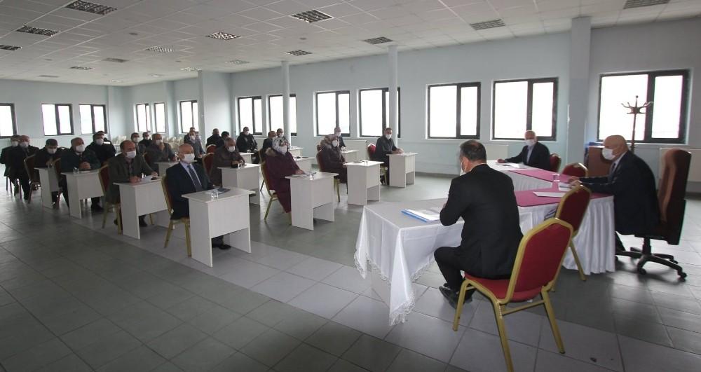 Başkan Pekmezci, birim müdürleriyle değerlendirme toplantısı gerçekleştirdi
