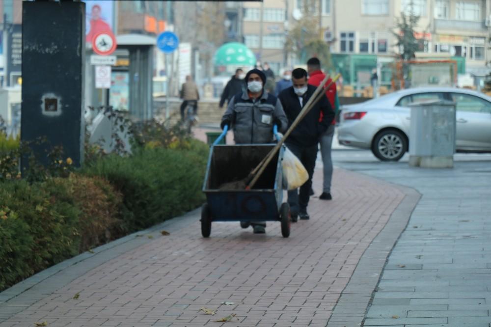 Belediye temizlik görevlileri yüzde 40'lık zam oranı ile rahat nefes aldı