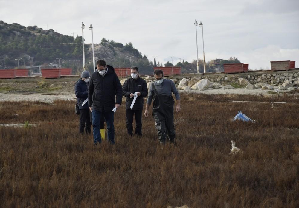 """Burdur Gölü'ndeki gaz çıkışları incelendi: """"Yer altı suyu boşalımı olabilir"""""""