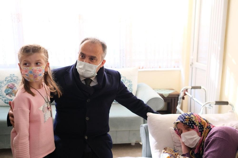 Bursa'da bir yılda 8 bin hastaya evde bakım hizmeti