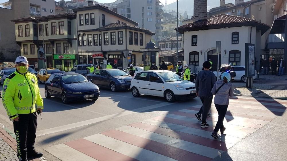 Bursa'da emniyetten yaya öncelikli denetim
