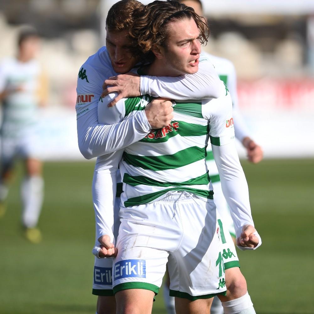 Bursaspor'un genç yıldızı Ali Akman 8 gole ulaştı