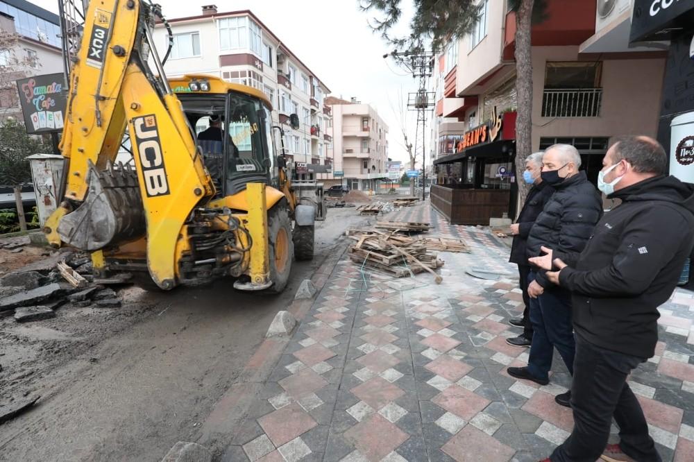 Gebze'de Belediye Ekiplerini Denetledi