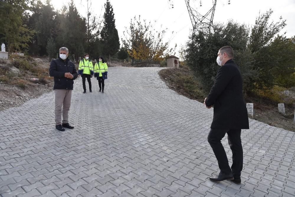 Büyükşehirden Aşağı Kayapınar Mezarlığında kilit parke çalışması
